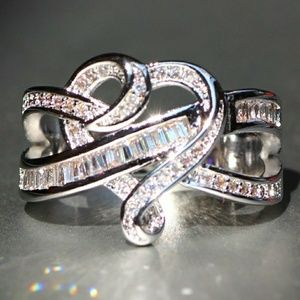 Jewelry - Heart Knot Ring